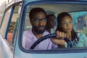 w.hollywood.com/news/movies/55023801/half-of-a-yellow-sun-trailer-chiwetel-ejiofor-thandie-newton?page=all