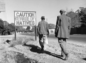 apartheid-signs-in-south-africa-1956_jpg